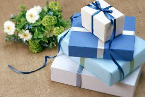 Bí kíp lựa chọn quà tặng khách hàng phù hợp và ý nghĩa